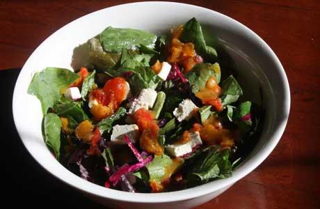 Spinach Fennel Beet Salad. Image credit: islandgardening.com