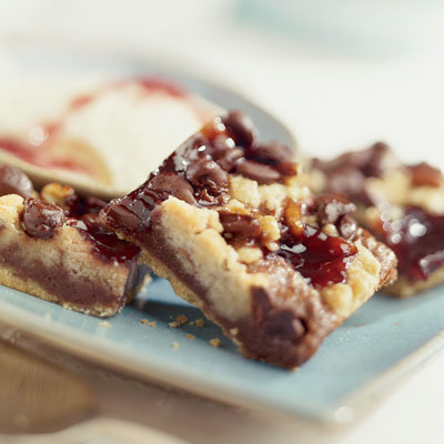 Nestle Chocolatey Raspberry Crumb Bars