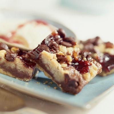 Chocolatey Raspberry Shortbread Crumb Bars
